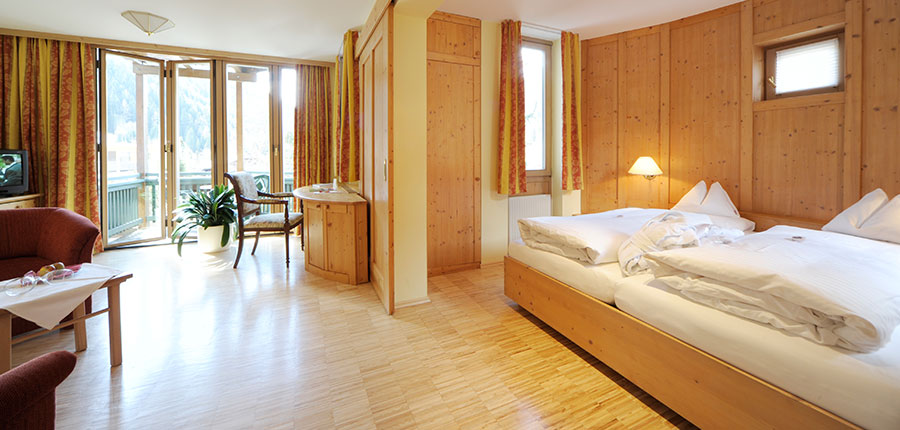 Hotel Eschenhof, Bad Kleinkirchheim, Austria - double bedroom with balcony.jpg